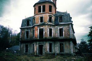 Villa Marquis de P. / LOMO